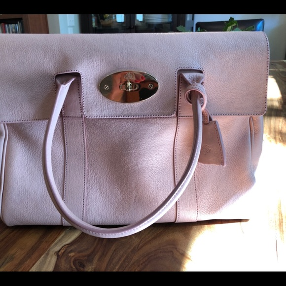 Mulberry Bayswater Blush Glossy Goat leather! M 5b4280ab0cb5aa647d686b9e.  Other Bags ... 02a2b674a6372